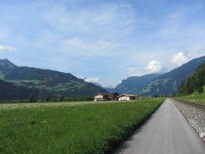Radweg entlang der Zillerbahn