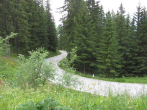 Radtreff Alpencross 2013 - Es schlaengelt sich