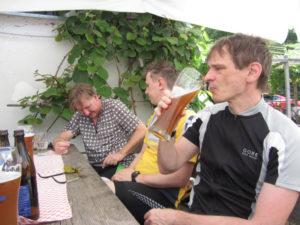Radtreff - Transalp 2013 img_0744-rast-beim-sandwirt